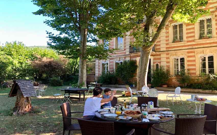 Lunching at The French Rural Retreat with The Little Voyager