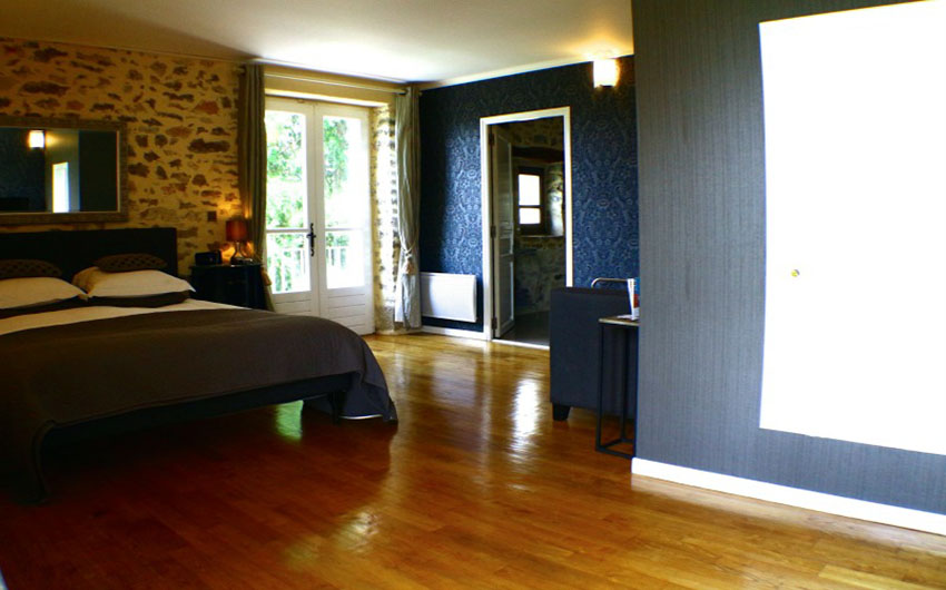 The French Country Chic Bel Castel Suite with The Little Voyager