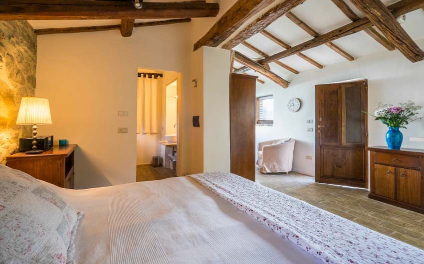 The Umbrian Country Cottages Studio with The Little Voyager