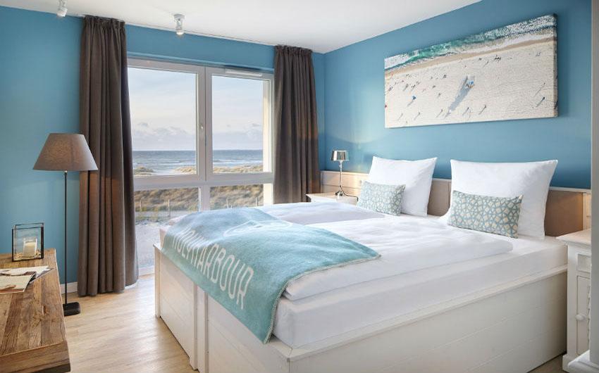 Beach Motel Heiligenhafen Sleeping Room with The Little Voyager