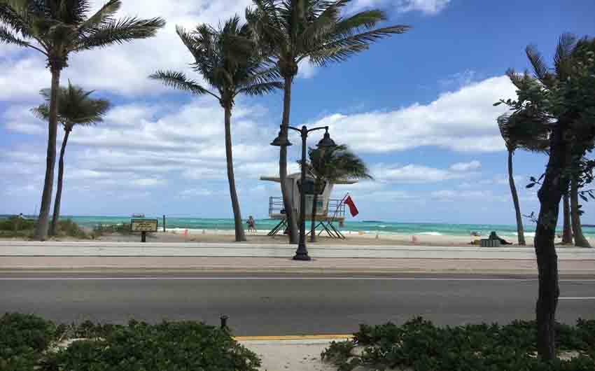 Fort Lauderdale Ocen Drive with The Little Voyager