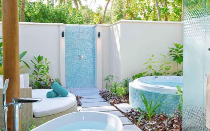 Kandima Bath Beach Villa with the Little Voyager