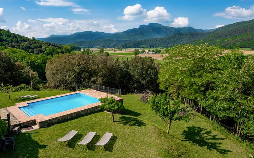 Catalan Rural Escape Pool Views with The Little Voyager
