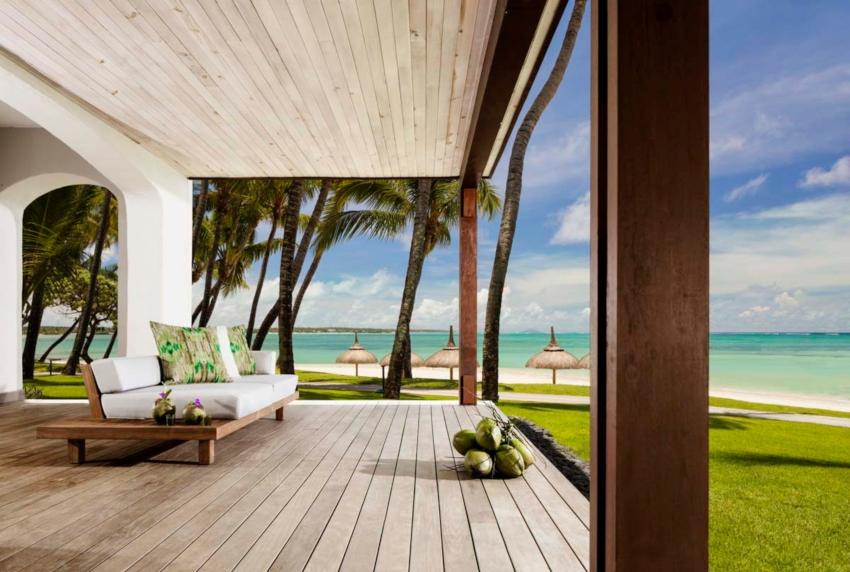 Huge terrace with ocean view