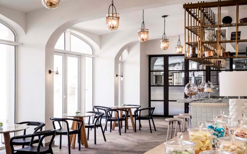 Le Saint Geran Restaurant with The Little Voyager