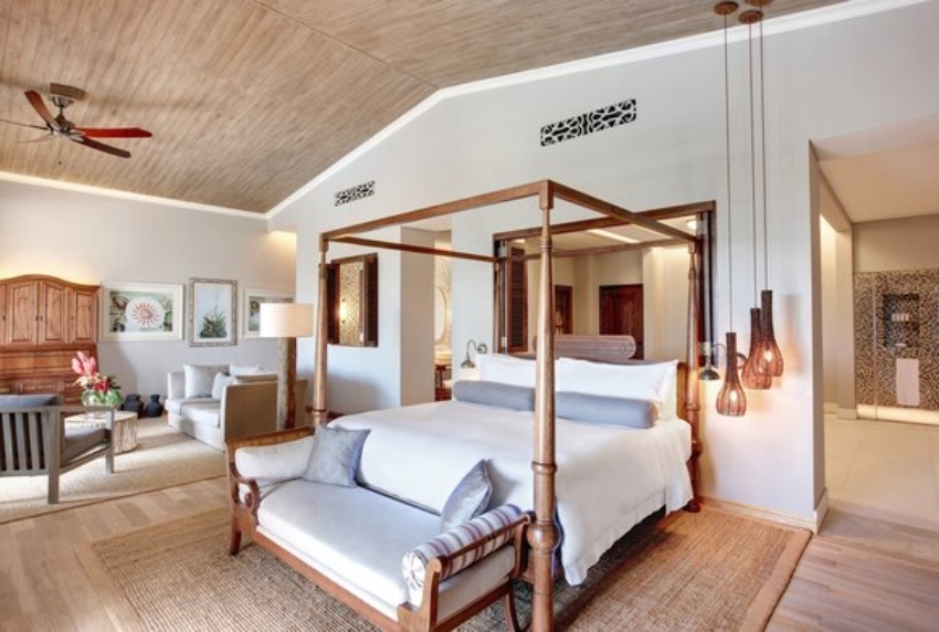 Huge bed in luxurious hotel room