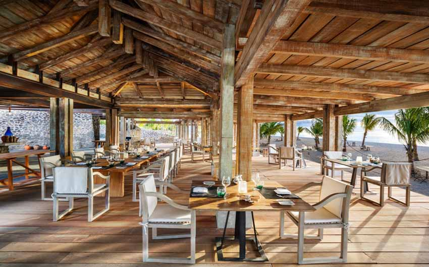 St Regis Resort in Mauritius Grill Restaurant with The Little Voyager