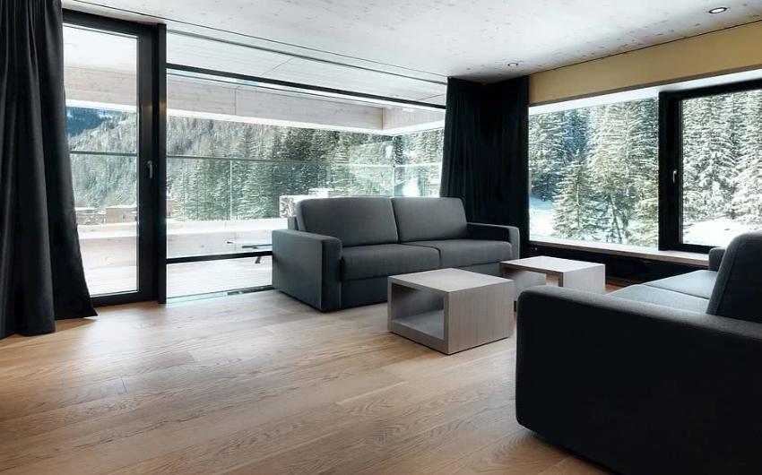 Sittig room in hotel suite