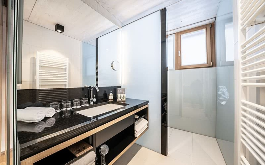 Bathroom in chalet