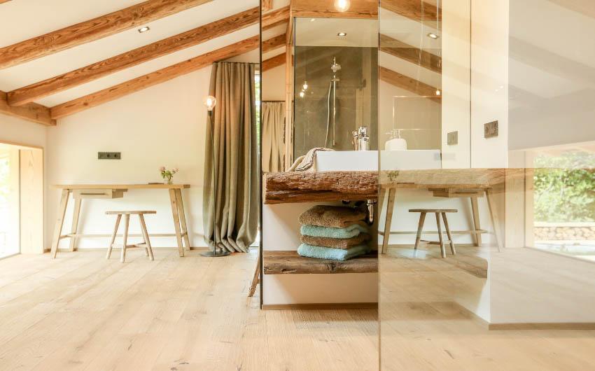The Bavarian Farm Main Bathroom with The Little Voyager