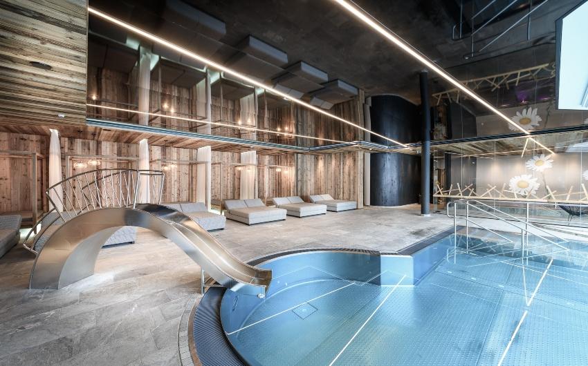 Indoor pool at the Austrian Nature Retreat